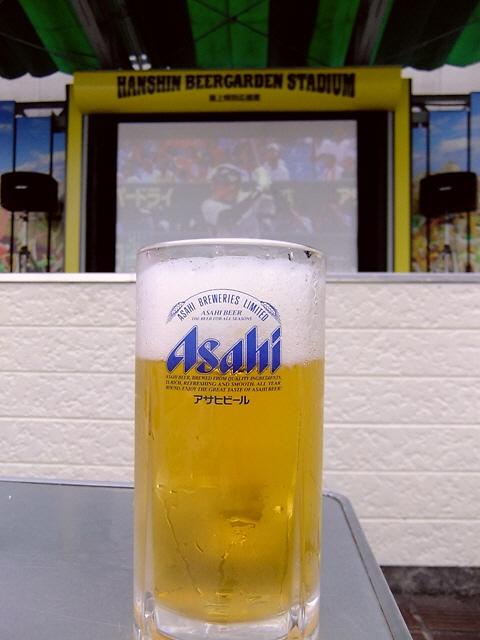 Mのディナー  冷た~いビールを飲みながら大画面で観戦!  梅田  「阪神百貨店屋上ビアガーデン」