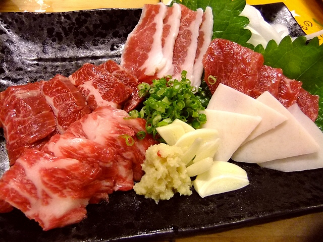 Mのディナー  絶品馬肉が素晴らしくリーズナブルにいただけます!  福島区  「けとばし屋チャンピオン」