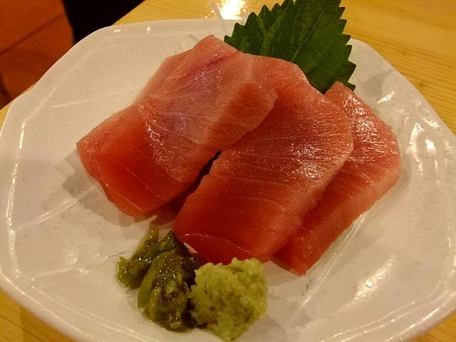 Mのディナー  超満員の広くて活気ある店内でマグロ尽くし!  梅田  「梅田芝田1丁目まぐろや」