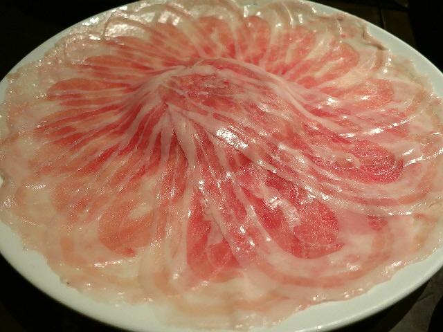 Mのディナー  旨味たっぷりヘルシーな京もち豚の絶品豚しゃぶ!  西区新町  「大阪豚しゃぶの会 本店」