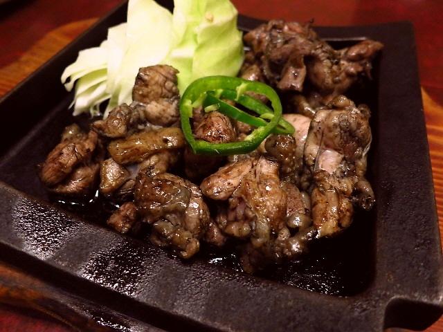Mのディナー  本格宮崎料理がリーズナブルに味わえる人気店  江坂  「宮崎地鶏炭火焼 車 江坂店」