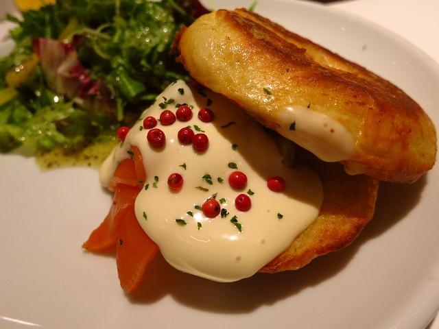 Mのディナー  スイーツとしても食事としても楽しめるフレンチトーストの専門店!  梅田  「Hug Cafe 梅田」