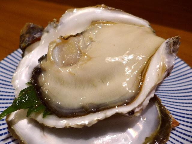 Mのディナー  超巨大の迫力満点の岩牡蠣が始まりました!  京都府舞鶴市  「むらさき」