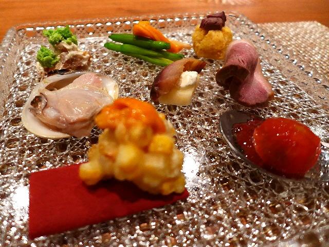 Mのディナー  ゴージャスな雰囲気の隠れ家でセンス抜群の和食会席料理がいただけます!  中央区島之内  「Japanese Cuisine QusQus」