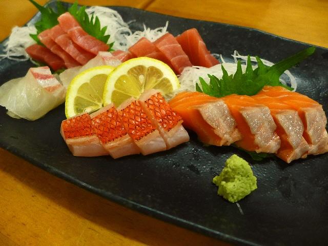 Mのディナー  いつ行っても満員御礼の安くて旨い大人気店!  大阪駅前第1ビル  「萬願亭」