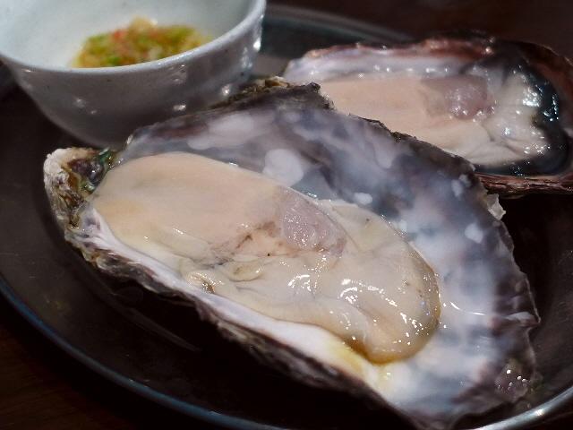 Mのディナー  真夏でも生牡蠣が楽しめる大人気店!  阿倍野  「鉄板居酒屋 牡蠣 やまと」