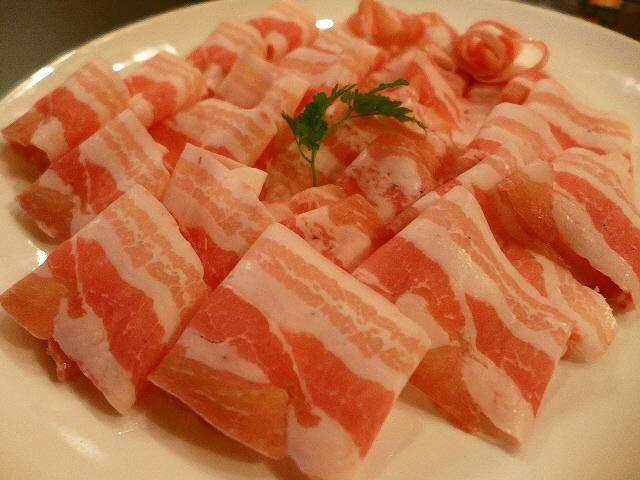 Mのディナー  大人気のロティ専門店で驚異的にお値打ちな四川赤鍋コース!  三宮  「Roty's Roty(ロティズロティ)」