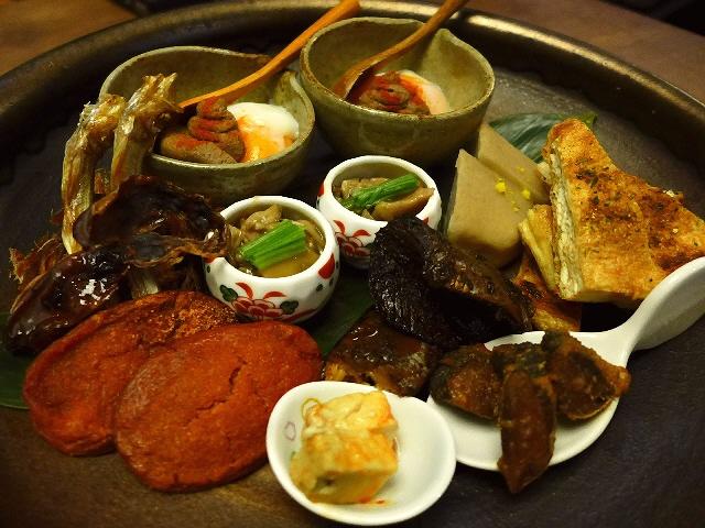 Mのディナー  酒飲みが泣いて喜ぶ絶品アテとお蕎麦がいただける名店  福島区  「藤乃」