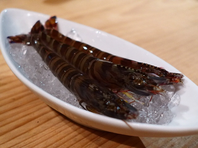 Mのディナー  大人気の活海老バルがリゾート料理として裏なんばに進出!  千日前  「活海老バル orb Resort」