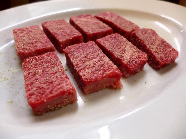 Mのディナー  住宅街で最高峰の絶品お肉がいただける知る人ぞ知る隠れ家!  豊中市  「かっぱ梶岡」