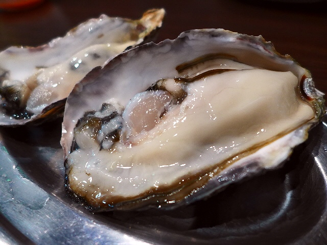 Mのディナー 1年中鮮度抜群の美味しい牡蠣料理が楽しめる大人気店!   阿倍野  「鉄板居酒屋 牡蠣 やまと」