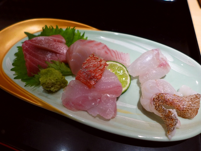 Mのディナー  大阪を代表する伝統の技と味が新地本通り1階路面店で驚くほどリーズナブルに味わえます!  北新地  「鮨 惣五郎」