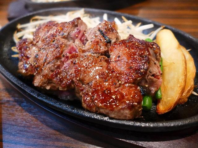Mのディナー  大人気のお肉のお店が日本橋に新店オープンです!  日本橋  「1ポンドのステーキハンバーグタケル 日本橋オタロード店」