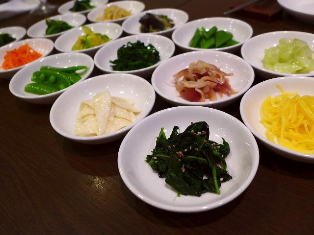 Mのディナー  抜群のセンスと高級素材の独創的韓国料理に感動!  天神橋5  「韓菜酒家 ほうば」