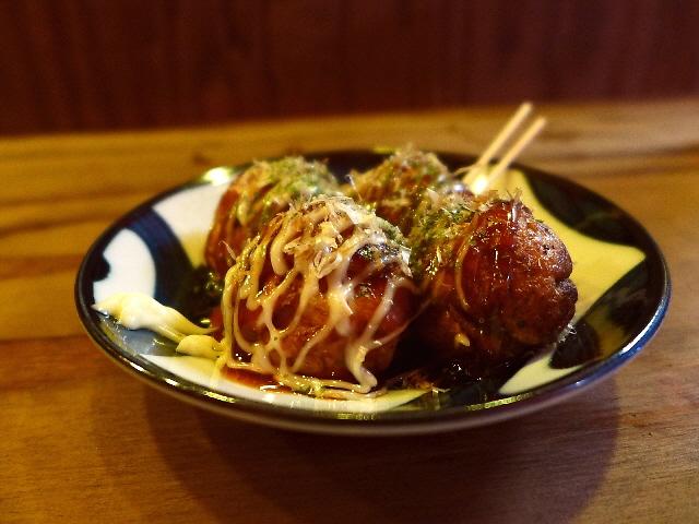 Mのディナー  美味しいたこ焼きをアテに楽しく飲める使い勝手抜群のバー!  西中島南方  「タコクイーン」