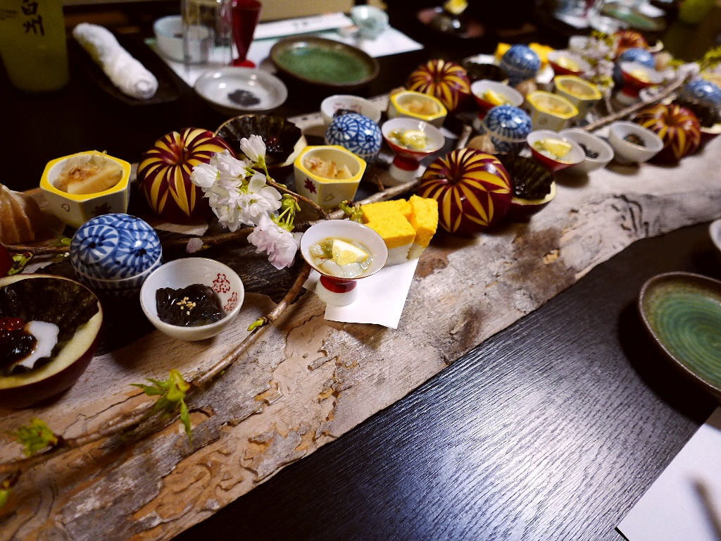 Mのディナー お値打ち過ぎる懐石料理と泳ぎイカを堪能しました!  豊中市 「遊食遊膳 笹庵」