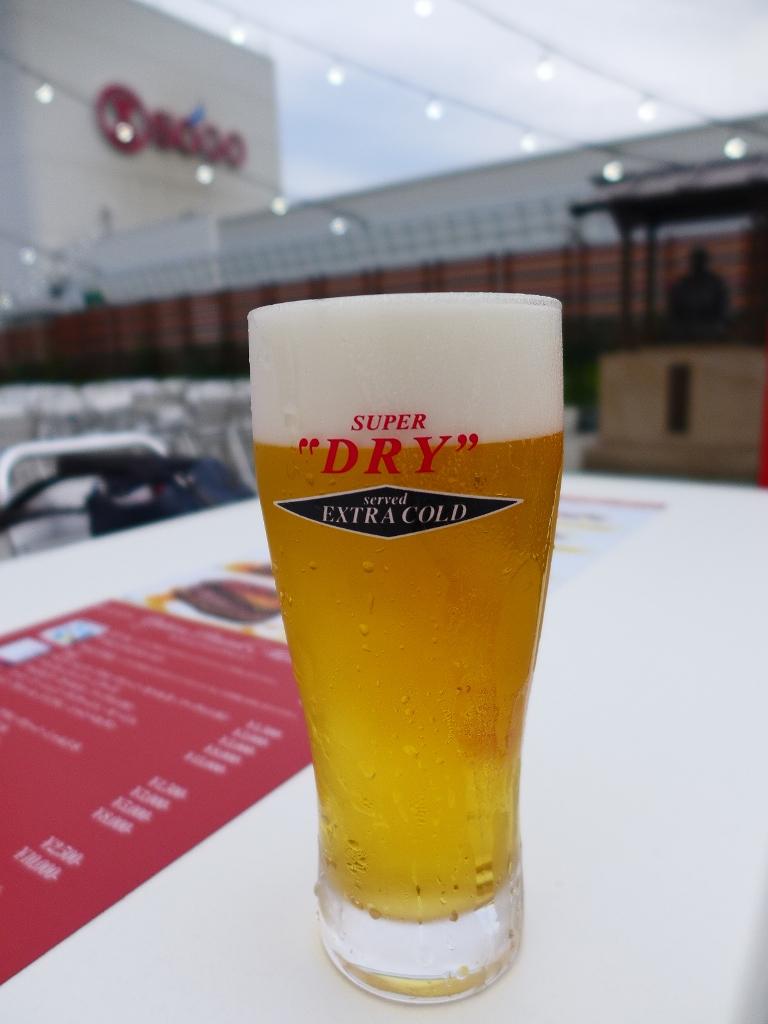 Mのディナー 星空の下で冷た~いビールと料理が食べ飲み放題のお値打ちビアガーデン! そごう神戸店 「そごうスカイビアガーデン」