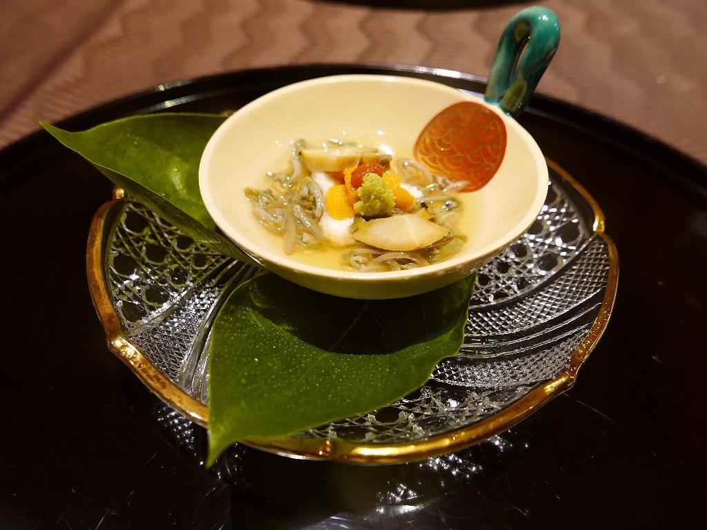 Mのディナー 季節の味と趣を最大限に愉しませていただける伝統の技 北新地 「北新地 湯木 新店」