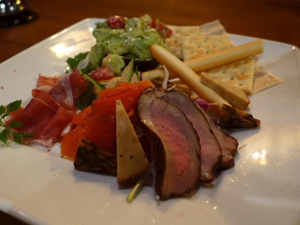Mのディナー 料理もスイーツも本格的なお洒落なカフェ 西区北堀江 「カフェ シャルボン」