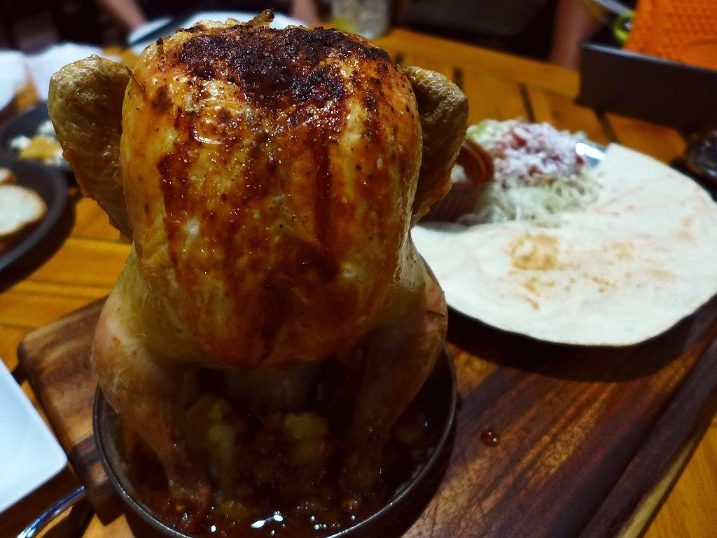 Mのディナー アウトドア料理の豪快なビアカンチキンがいただけます! 京橋 「ホテイヤロッヂ」
