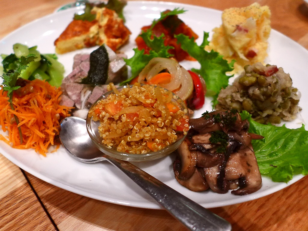 Mのディナー オーガニック野菜料理とビオワインが楽しめるお洒落なバル! 大阪駅前第1ビル 「シューズキッチン」