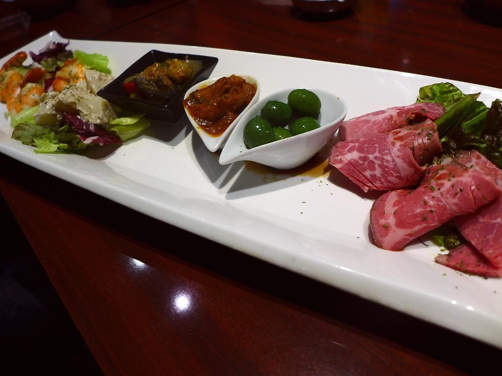 Mのディナー お洒落で居心地抜群の空間で和洋の美味しい料理がいただけます! 芦屋市 「アシヤ食堂 manchos!」