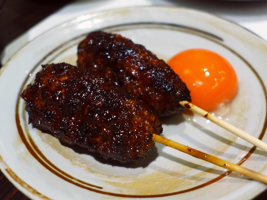 Mのハシゴ酒 サクッと使いでもとても美味しい焼き鳥がリーズナブルにいただけます! 心斎橋 「炭火焼鳥 温(あつ)」