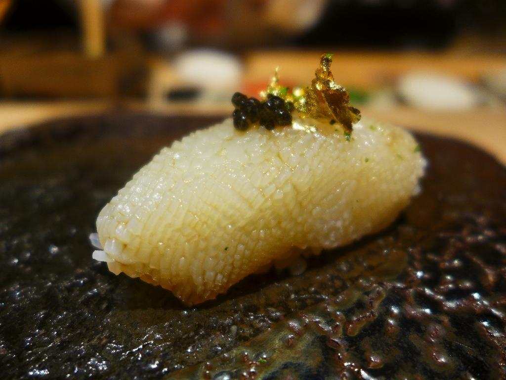 Mのディナー 最高の素材のここでしか食べられない味で感動させていただける知る人ぞ知るお寿司屋さん! 東心斎橋 「鮨 Shizuku」