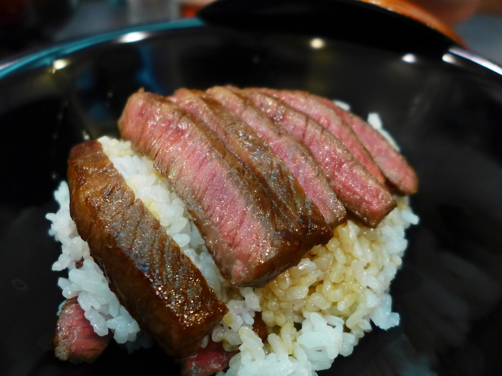 Mのディナー 知る人ぞ知る老舗料亭旅館の和食と神戸牛は満足感が高すぎます! 新神戸 「ほてるISAGO神戸」