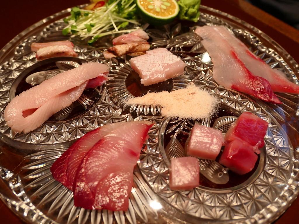 Mのディナー たった2000円で100種類以上の日本酒と30種類以上のワインが時間無制限飲み放題!魚料理も絶品の素晴らしいお店! 天満 「日本酒とワイン 火遊びまこと」