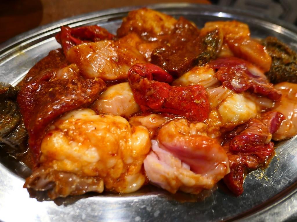 Mのディナー 樫切山の伝説のホルモン焼きが天六で食べられるようになりました!  北区浪花町 「デンスケ 天満店」