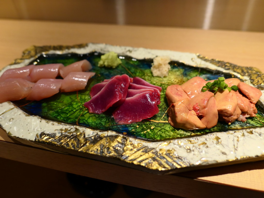 Mのディナー 北新地の高級な雰囲気の店内で京丹波黒鶏のあらゆる部位が堪能できる焼鳥屋さん! 北新地 「焼鳥 Kawaguchi」