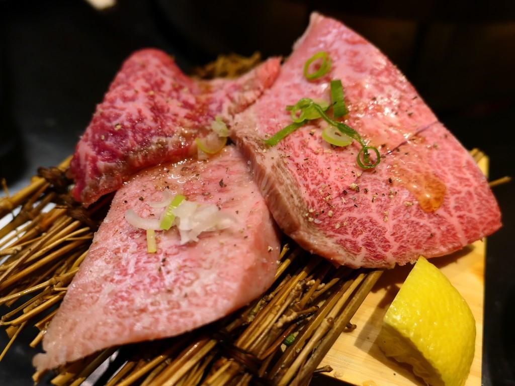 Mのディナー 福島の大人気立喰い焼肉の姉妹店が天満にオープンしました! 天神橋5 「立喰焼肉 瑞園 天満店」