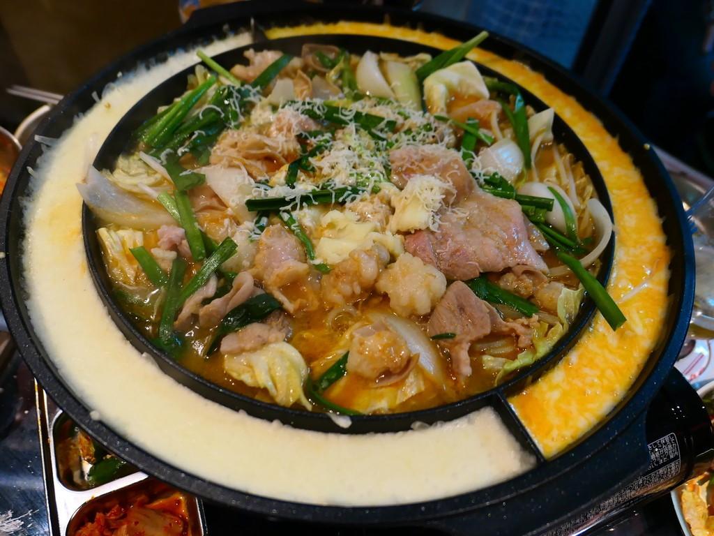 Mのディナー 韓国料理とチーズが一体となった新感覚の料理が楽しめます! 天神橋5 「韓国屋台Mr.チージュ」