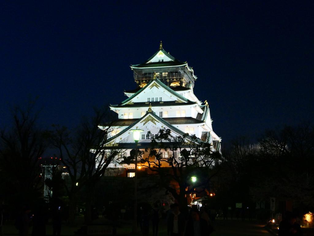 Mのディナー 大阪城の天守閣の目の前の最高のロケーションで手ぶらでバーベキューが楽しめます! 「BLUE BIRDS ROOF TOP TERRACE(ブルーバーズ ルーフトップテラス)」