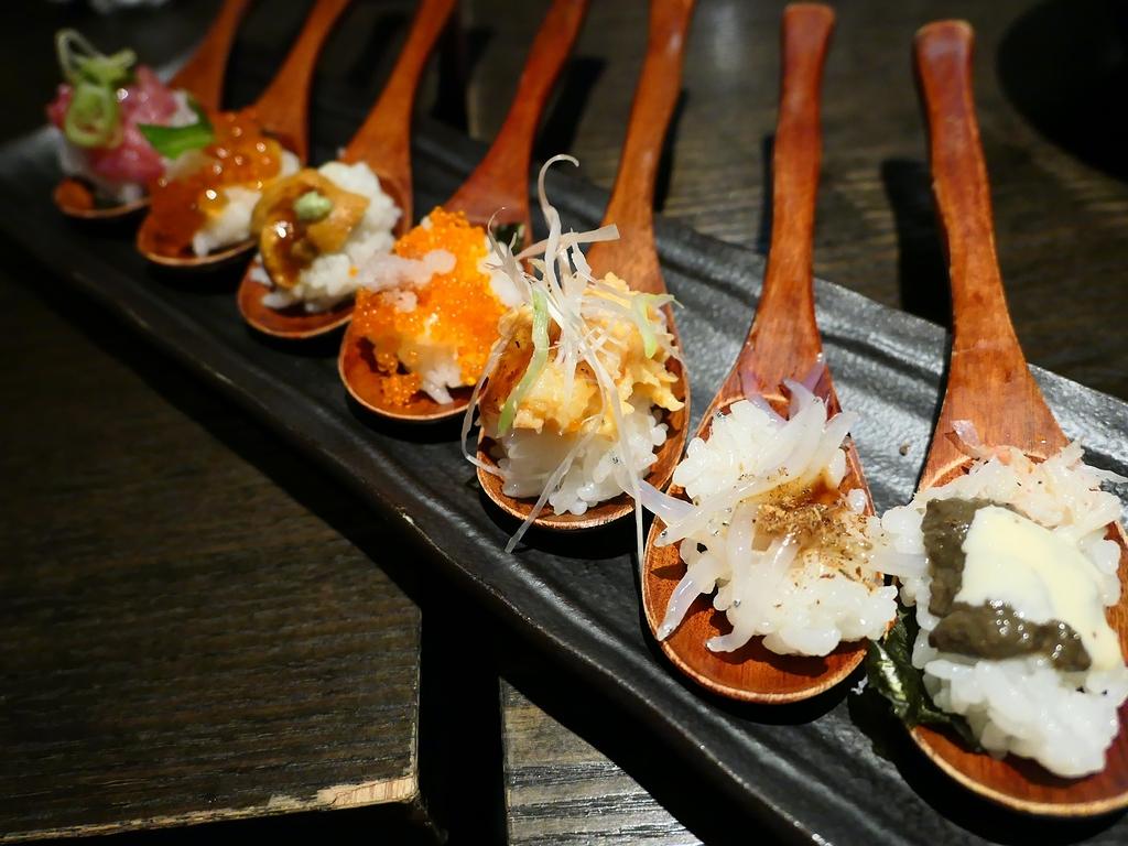Mのディナー お洒落な空間で鮮度抜群の魚とお寿司と厳選黒毛和牛ステーキと鉄板焼きがお手軽にいただける使い勝手抜群のお店! なんば 「SUSHI&GRILL 創蔵-SOUYA-」