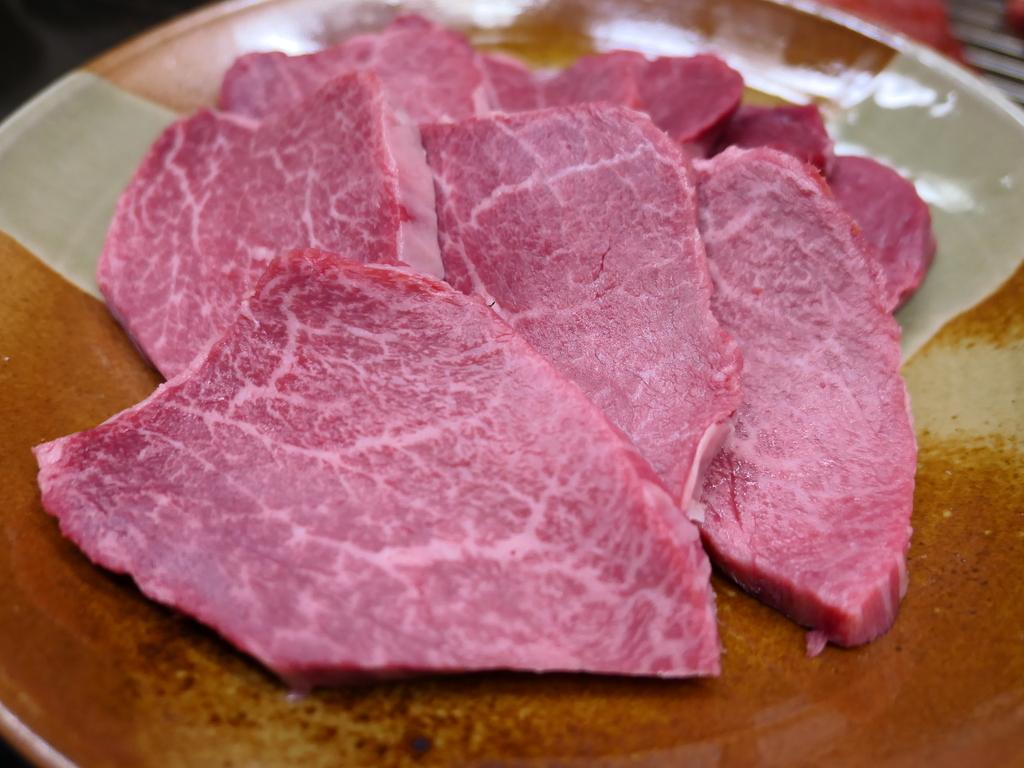 Mのディナー 知る人ぞ知る感動的に旨い伊賀肉の網焼きが食べられるお店! 西区新町 「半蔵」