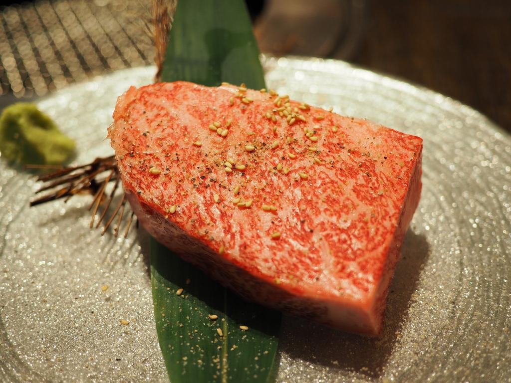 Mのディナー リッチな気分に浸りながら高級でとても美味しいお肉が意外にリーズナブルいただける焼肉の名店! 梅田 「焼肉トラジ ルクア大阪店」