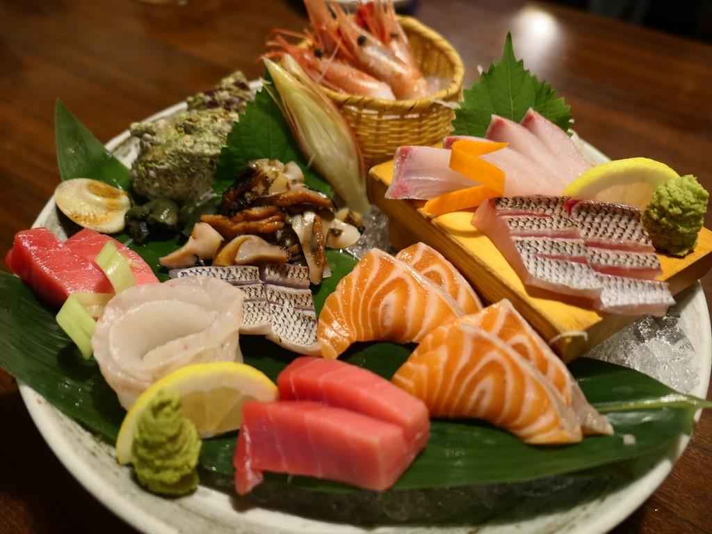 Mのディナー 山陰地方の産直の魚介類と郷土料理がとてもリーズナブルにいただける人気居酒屋! 十三 「漁師の宴 十三店」